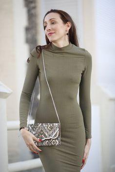 La robe midi avec @boohooofficial  - sac sequins - Lauraleen Lifestyle