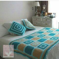 Crochet afghan blocks colour ideas for 2019 Crochet Bedspread, Crochet Quilt, Crochet Blocks, Crochet Pillow, Crochet Doilies, Granny Square Blanket, Granny Square Crochet Pattern, Afghan Crochet Patterns, Crochet Squares