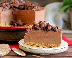 Tarta mousse de chocolate con leche Crazy Cakes, Chocolate Mouse, Chocolate Desserts, Cake Decorating For Beginners, Sin Gluten, Vanilla Cake, Food And Drink, Tasty, Chocolates