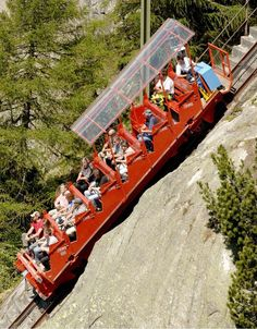 Ride the steepest funicular in Europe (Interlaken, Switzerland). Holiday Destinations, Travel Destinations, The Places Youll Go, Places To Visit, Beautiful World, Beautiful Places, Voyage Europe, Zermatt, Swiss Alps