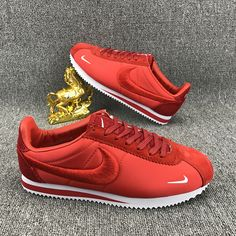 Cheap Nike Classic Cortez For Sale Zapatillas Nike Cortez, Nike Cortez Shoes, All Nike Shoes, Nike Shoes Online, Nike Shoes Outfits, Nike Shoes Cheap, Running Shoes Nike, Red Sneakers, Sneakers Fashion