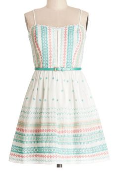 Cute striped sundress http://rstyle.me/n/k5b5dnyg6