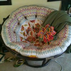 Have the papasan chair, have the cushion - but LOVE the way the fabric is pieced on this one to give it a round effect.