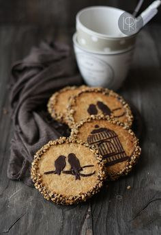 use stencils & chocolate to decorate cookies