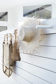 my scandinavian home: How About Lolling About At The Chalet, Byron Bay? Beach Cottage Style, Beach Cottage Decor, Coastal Style, Coastal Decor, Cottage Chic, Coastal Homes, Coastal Living, Coastal Bedrooms, Deco Surf