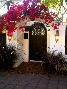 Spanish style homes – Mediterranean Home Decor Spanish Bungalow, Spanish Style Homes, Spanish Revival, Spanish House, Spanish Colonial, Hacienda Style Homes, Bougainvillea, Exterior Design, Interior And Exterior