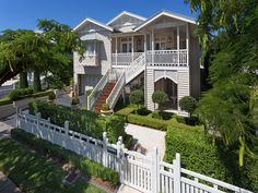 Sold Property Prices & Auction Results in Ascot, QLD 4007 Queenslander House, Weatherboard House, Tiny House Plans, House Floor Plans, Australian Homes, Facade House, House Goals, House Front, House Painting