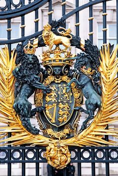 Royal Coat of Arms, Buckingham Palace   designed by Walter Gilbert