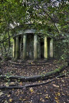 garden folly.  With some clean-up, plantings and love, I think this would be fantastic, again.