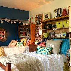 i don't know if it would even be possible to do headboards like this but it would give us more space to put stuff! #PillowSet