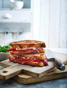 Chorizo, manchego and pepper pan toasties Try our chorizo, manchego and pepper pan toasties. Smoky chorizo sausage and nutty manchego cheese make for a super easy Spanish toastie recipe