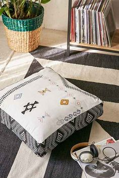 4040 Locust Potro Floor Pillow - Urban Outfitters