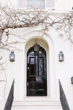 Ideas For Exterior Facade Black Doors Grand Entrance, Entrance Doors, The Doors, Windows And Doors, Front Doors, Front Entry, Design Exterior, Interior And Exterior, Black Exterior