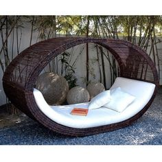 Outdoor Sofa-bed Rocker admired by our rattan furniture designers. Outdoor Sofa, Outdoor Spaces, Outdoor Living, Outdoor Seating, Indoor Outdoor, Garden Seating, Outdoor Decor, Sofa Lounge, Garden Lounge Chairs