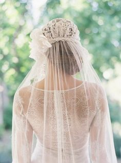 Bridal cap bridal veil silk tulle veil by EricaElizabethDesign Veil Hairstyles, Wedding Hairstyles, Bridal Lace, Bridal Gowns, Juliet Cap Veil, Wedding Veils, Wedding Dresses, Hair Wedding, Wedding Bride