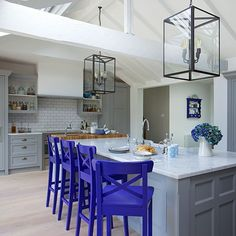 Grey painted shaker-style kitchen with blue bar stools Style Shaker, Shaker Style Kitchens, Cool Kitchens, Shaker Kitchen, Painting Kitchen Cabinets, Kitchen Paint, Kitchen Decor, Kitchen Ideas, Kitchen Designs
