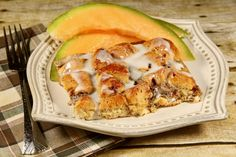 Cinnamon Roll French Toast Casserole Breakfast Items, Breakfast Dishes, Breakfast Recipes, Sweet Breakfast, Cinnamon Roll French Toast, Cinnamon Rolls, French Toast Casserole, Breakfast Casserole, Asian