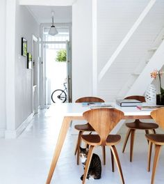 Elegant Iconic Cherner Chair Designed By Norman Cherner: Interior Home Design With White Table And Brown Iconic Chair Pendant Lamp White Int. Sweet Home, Interior Architecture, Interior Design, Piece A Vivre, White Houses, Dining Area, Dining Room, Dining Chairs, Room Chairs