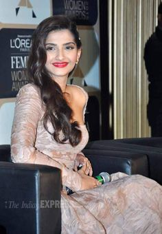 Sonam Kapoor flashing a smile at a Femina Women Awards 2015 event. #Bollywood #Fashion #Style #Beauty