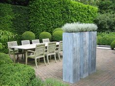 A bit boring but could be useful in hiding something that you don't want to see when dining. Outdoor Rooms, Outdoor Gardens, Outdoor Living, Outdoor Decor, Unique Gardens, Beautiful Gardens, Garden Furniture, Outdoor Furniture Sets, Landscape Design