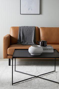 Hopfällbart bord av metall i industriell design med matt yta. Stl 80x80 cm. Höjd 45 cm. Levereras omonterat. Vikt 14 kg. Autumn Inspiration, Furniture Inspiration, Couch, Living Room, Interior Design, Bedroom, Modern, Home Decor, Decoration