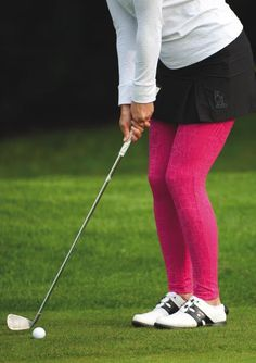 Poodle's long leggings in Mod pink jacquard, featured on Germany's golfionista.com #golf