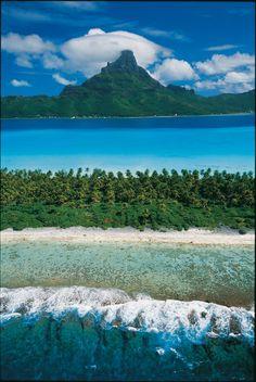 Magnificent view on Bora Bora, French Polynesia ✯ ωнιмѕу ѕαη∂у Beach Fun, Beach Trip, Dream Vacations, Vacation Spots, Islas Cook, Bora Bora Island, Places To Travel, Places To Visit, French Polynesia