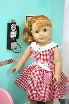 The diner's cute but I WANT THAT DRESS. Simplicity 1086, a Keepers Dolly Duds pattern.