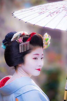 祇をん 紗月 - Giwon Satsuki. Japanese Geisha have taken beauty to a whole different level.