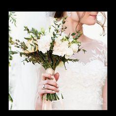 Be happy :) Vsco Presets, Lightroom Presets, Bride Portrait, Wedding Portraits, Wedding Presets, Adobe Photoshop Lightroom, Background S, Warm Colors, Natural Light