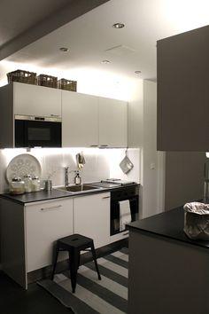 Ikea Led-lights in kitchen, Ikea Kitchen, Ikea Kitchen, Kitchen Interior, Kitchen Dining, Scandinavian Kitchen, Home Studio, Cheap Furniture, Kitchen Lighting, Office Ideas, Interiors