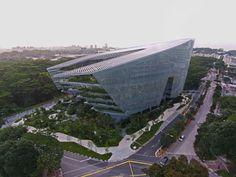 Sandcrawler Headquarters, Singapore / Aedas Architects 2013 / Photo © Paul Warchol