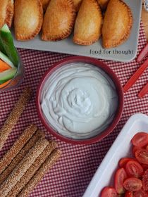 Food for thought: Ντιπ ροκφόρ Breakfast Snacks, Appetizer Dips, Greek Recipes, Salad Dressing, Food For Thought, Cooking Time, Starters, Finger Foods, Peanut Butter