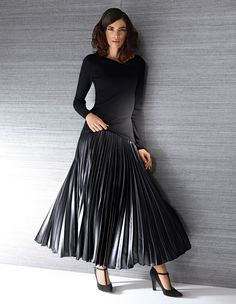 MADELEINE Pleat Skirt– Flattering #skirt with permanent #pleats in beautiful length and impressive leather look. #MADELEINEfashion #MADELEINE #Fashion #black #AW15 #fashionable #autumn