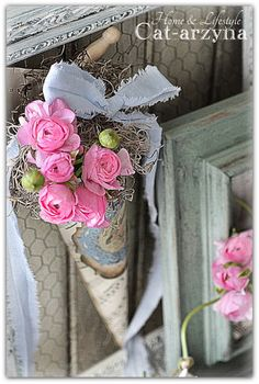 flower cones with burlap, muslin and music paper.