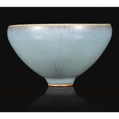 A 'jun' conical bowl. Chinese Ceramics, Japanese Ceramics, Chinese Tea Cups, Vases, Kintsugi, Tea Bowls, Fine Porcelain, Earthenware, Chinese Art