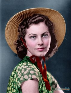 Young Ava Gardner, colorized from a photo ca said to have been among her photos sent to MGM : Colorization Hollywood Photo, Vintage Hollywood, Hollywood Cinema, Classic Hollywood, Earthquake Movie, Betty Brosmer, Evelyn Nesbit, Most Beautiful Animals, Exotic Beauties