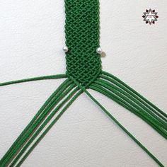 DSCF4481 Macrame Bracelet Diy, Macrame Bracelet Patterns, Bracelet Crafts, Macrame Patterns, Macrame Jewelry, Card Weaving, Diy Friendship Bracelets Patterns, Micro Macrame, Bracelet Tutorial