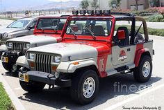 Jurassic Park Jeeps by Tommy Anderson Jeep Wrangler Camping, Jeep Wrangler Sahara, Jeep Tj, Jurassic Park Jeep, Jurassic Park World, Jurrassic Park, The Best Films, Wrangler Unlimited, Jeep Life