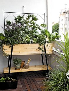 Space-Saving Balcony Decoration Ideas with Planter Box - Unique Balcony Garden Decoration and Easy DIY Ideas Garden Garden apartment Garden ideas Garden Garden apartment Garden ideas Garden small Porch Plants, Indoor Plants, Indoor Garden, Balcony Planters, Tiny Balcony, Small Terrace, Balcony Gardening, Urban Gardening, Urban Farmer