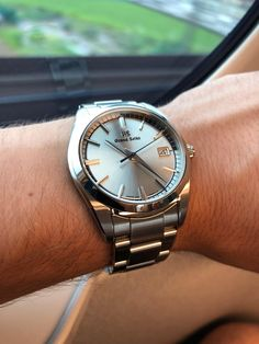 [Grand Seiko] Recently picked up quartz from Japan Watch Companies, Seiko Watches, Beautiful Watches, Luxury Watches, Omega Watch, Watches For Men, Cool Photos, Girl Outfits, Quartz