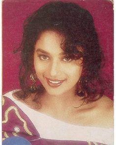 Young Madhuri Dixit Madhuri Dixit, Akshay Kumar, Timeless Beauty, Beautiful Actresses, Bollywood, Cinema, Beautiful Women, Culture, Indian