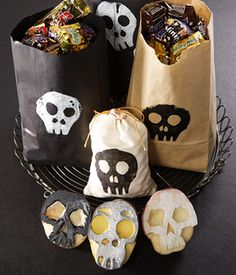 Easy skull Potato Stamp for a little #Halloween or #DayoftheDead touch