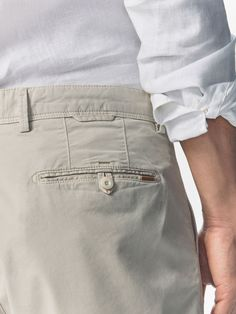 Ver todo - Pantalones - HOMBRE - Massimo Dutti Twill Pants, Cotton Pants, Men Trousers, Tactical Clothing, Denim Jeans Men, Pants Pattern, Menswear, Khakis, Pockets
