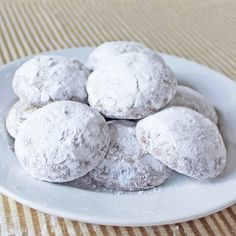 Traditional pfeffernusse cookies have ground nuts, spices, and black pepper. They also contain anise to give it that licorice flavor Spice Cookies, Xmas Cookies, Yummy Cookies, Cookie Desserts, Cookie Recipes, Dessert Recipes, Christmas Treats, Christmas Baking, Crack Crackers