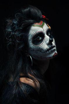 La Calavera Catrina by Dragos Pop - Photo 87725255 / Sugar Skull Girl, Sugar Skull Makeup, Maquillage Halloween, Halloween Makeup, Halloween 2020, Day Of Dead Makeup, Arte Cholo, Los Muertos Tattoo, Sugar Skull Artwork