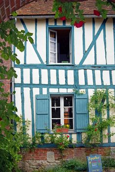 The old walls Gerberoy - Gerberoy, Picardie, France