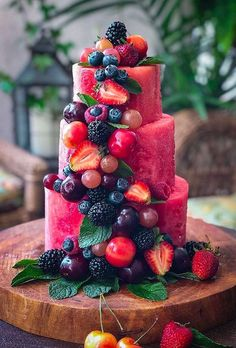 36 Small Wedding Cakes With Big Style ❤ small wedding cakes fruit cascade thelemonapron wedding food 36 Small Wedding Cakes With Big Style Fruit Wedding Cake, Small Wedding Cakes, Fruits Decoration, Fruit Birthday, Watermelon Cake, Watermelon Wedding, Fruit Arrangements, Snacks Für Party, Parties Food