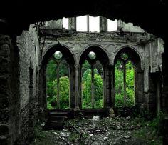 16 Εγκαταλελειμμένα Μέρη Ανά Τον Κόσμο / 16 Beautiful Abandoned Places