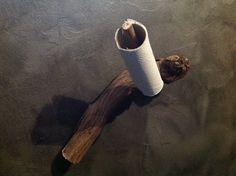 Porte papier fait maison avec un cep de vigne. Toilet Paper, Homemade, Toilet Paper Rolls